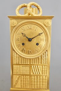 Detail_French_Striking_Library_Mantel_Clock