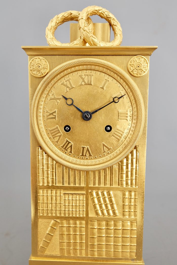 Detail_French_Striking_Library_Mantel_Clock